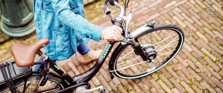 Elektrisch fietsen bij heerlijke temperaturen